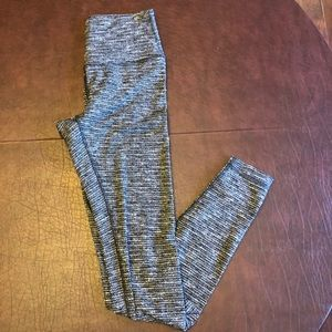 Lululemon Athletica Wunder Under size 6